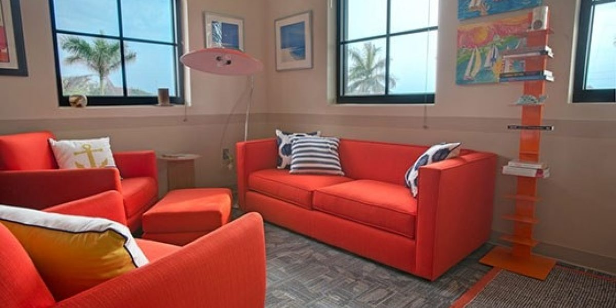 Photo of interior of the adult therapist office at Caron Renaissance.