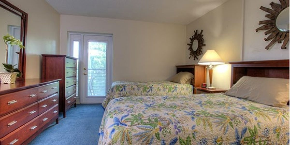 Photo of young adult semi private bedroom