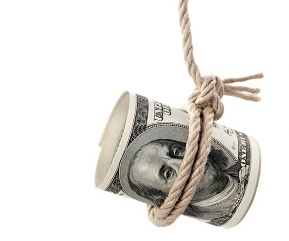 Money tangling on rope
